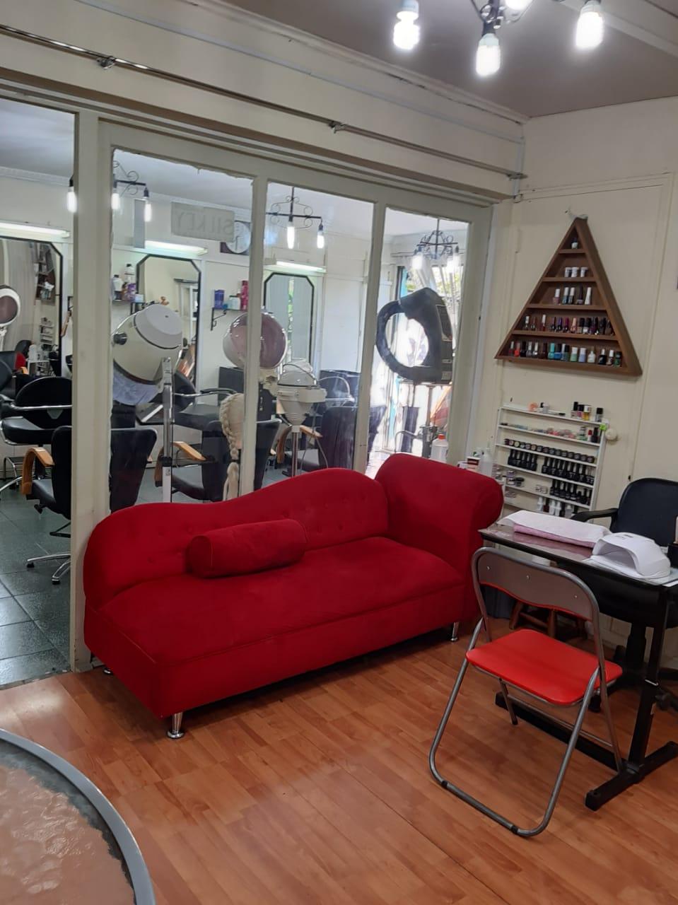 Venta Derechos de Local Comercial centro Estética y peluquería, metro El Parrón